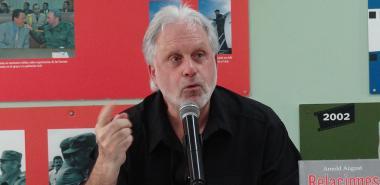 """Presentación del libro """"Relaciones Cuba-Estados Unidos ¿Qué ha cambiado?"""" de Arnold August"""
