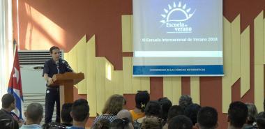 El Dr.C. Raydel Montesino Perurena, vicerrector primero de la UCI, dio la bienvenida a los 591 participantes que matricularon en los 24 cursos que contempla este evento