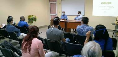 Minstro de Educación Superior de Cuba intercambia con miembros del Consejo de Universitario de la UCI