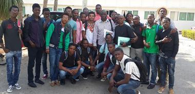 Mensaje de los estudiantes angolanos a Fidel
