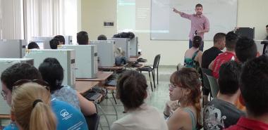 Nuevos aprendizajes en VI Escuela de Invierno en la UCI